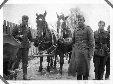 Немецкие солдаты возле Береки, 1941 или 1942 год